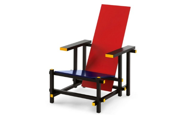 Red and Blue: the Sculpture-Chair by Rietveld for Cassina